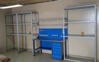 Шкаф для гаража: металлический и деревянный стеллаж, с рольставнями