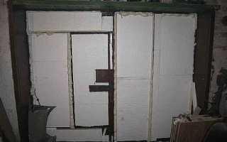 Чем заделать щели в гаражных воротах — простые советы умельцев