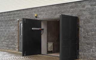 Как сделать распашные или подъемные гаражные ворота собственными руками