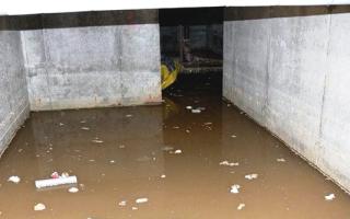 Как избавиться от воды в погребе гаража: полезное руководство