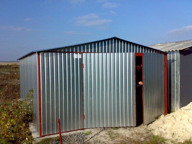 Доступный и надежный гараж из металла