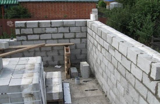 Шлакоблок есть выгодный и доступный стройматериал
