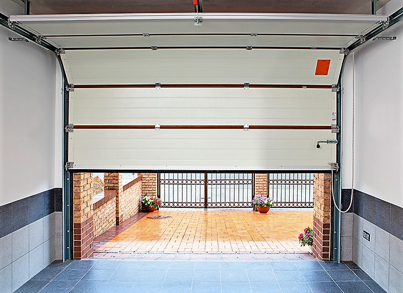 установка гаражных ворот