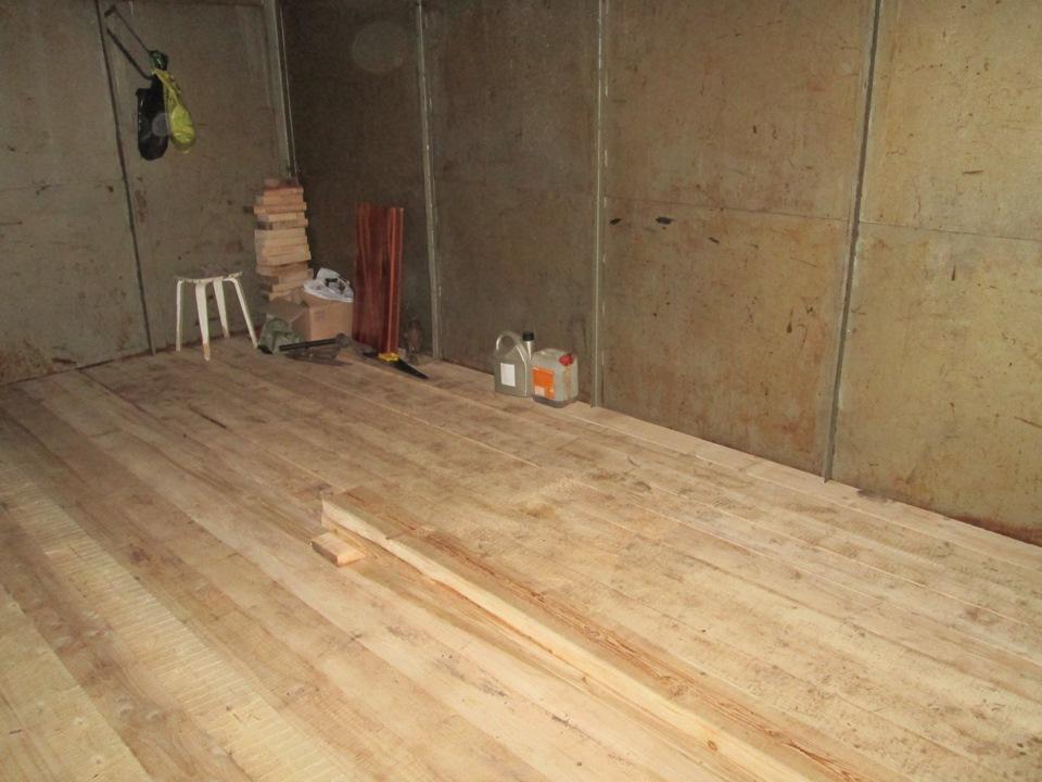 Деревянный пол прихотлив и требует периодического ремонта