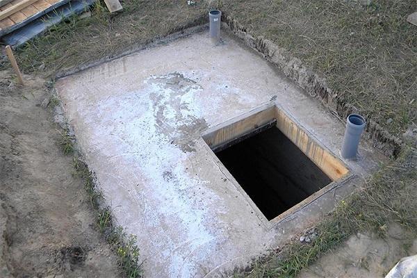 дыра в полу