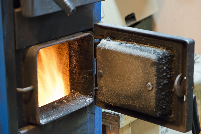 Печь долго держит тепло и хорошо обогревает помещение