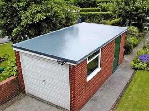как заделать щель на крыше гаража