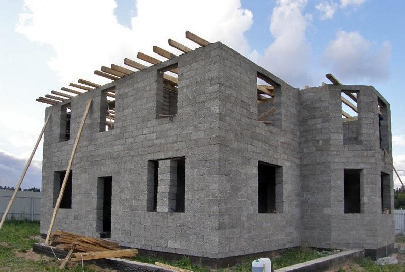 Дом построен из опилкобетона будет теплым на крепким