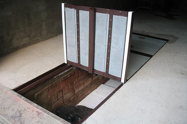 ворота в подвал