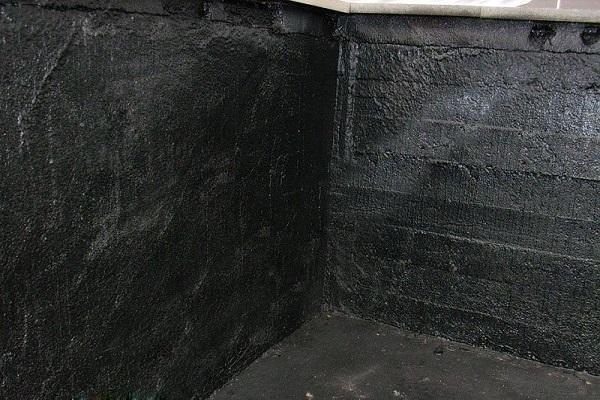 черные стены