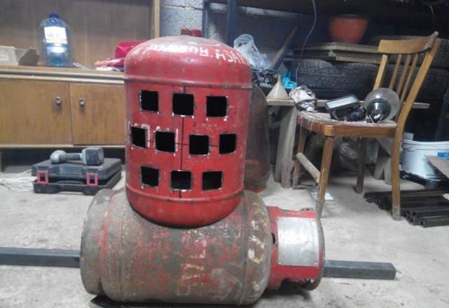 Самодельная печь с принудительным обдувом поможет скорее обогреть гараж