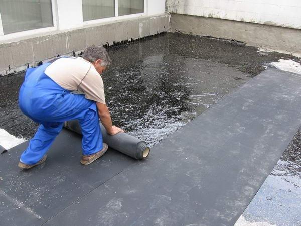 Односкатная крыша чаще всего накрывается еврорубероидом