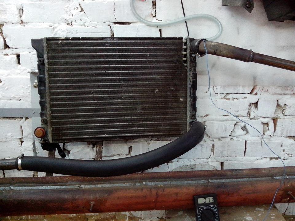 Батарея из радиатора автомобиля отлично подойдет для обогрева гаража