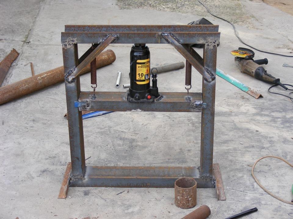 Самодельное оборудование для трамбовки залитых бетонных изделий