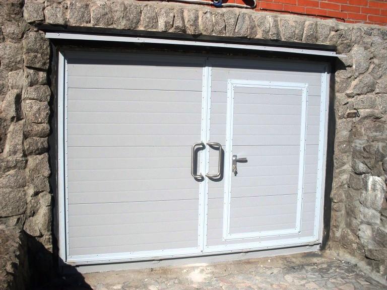 Двери в гараж своими руками