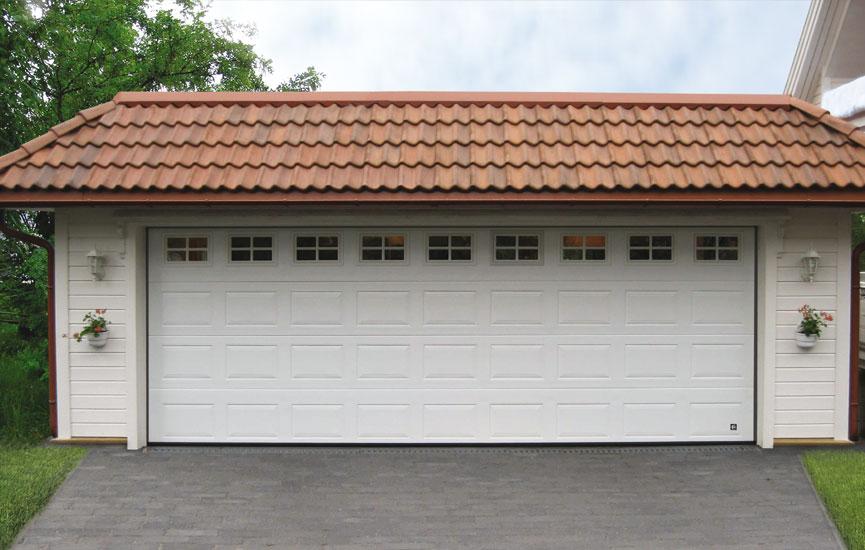 широкий гараж