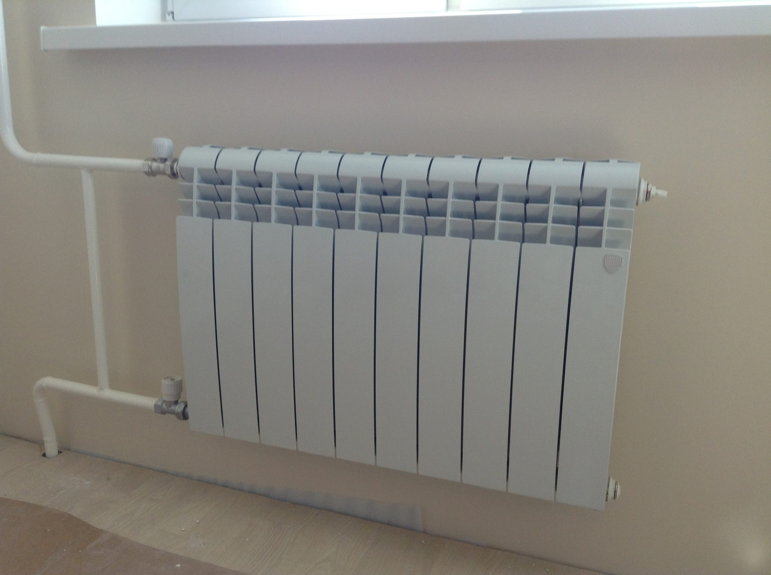Современный радиатор отопления выглядит красиво и очень эффективен