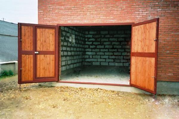 утепленные распашные ворота